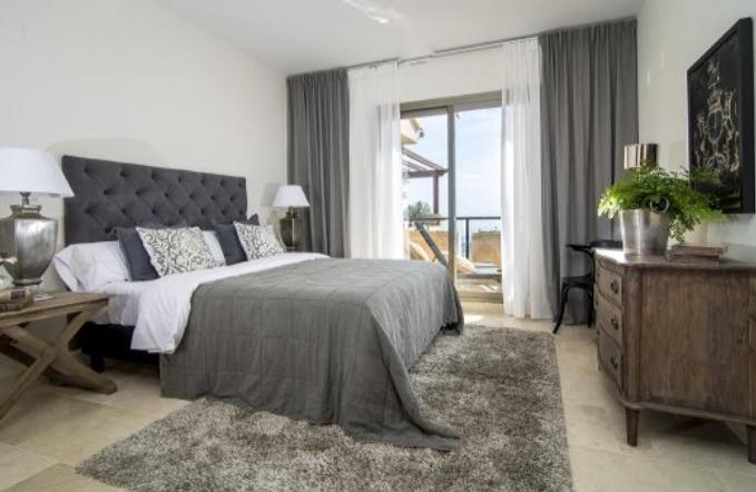 Prostorný apartmán s výhledem na moře
