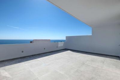 Fantastique penthouse en duplex de 3 chambres face au su...